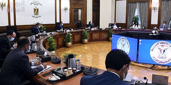 اجتماع رئيس مجلس الوزراء (2)