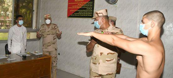 وزير الدفاع يتفقد اختبارات القبول للجامعات العسكرية (7)