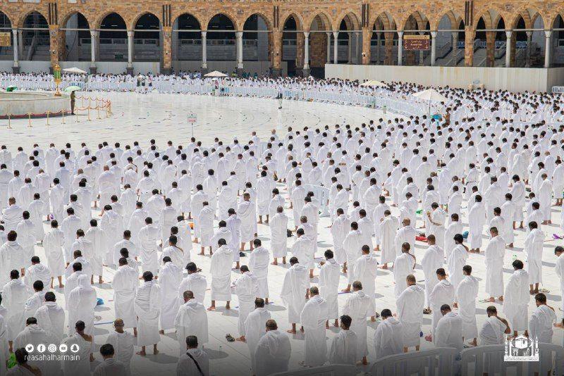 صلاة الجمعة فى المسجد الحرام