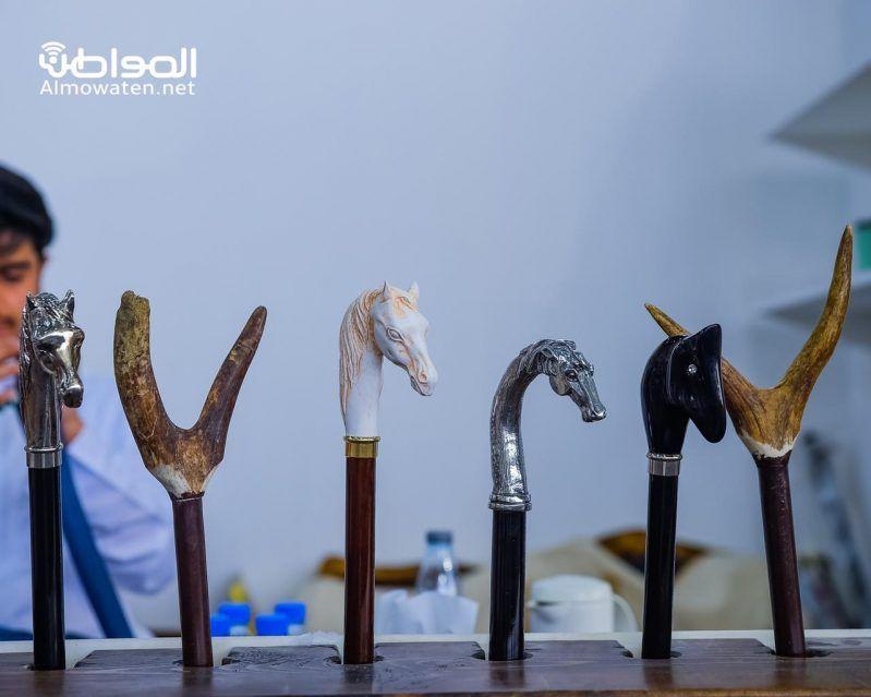 شاهد.. أحدث أسلحة وتقنيات الصيد بمعرض الصقور - المواطن
