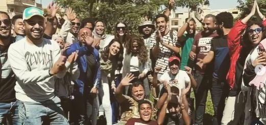 الاحتفال بانتهاء تصوير مسلسل بدون ضمان