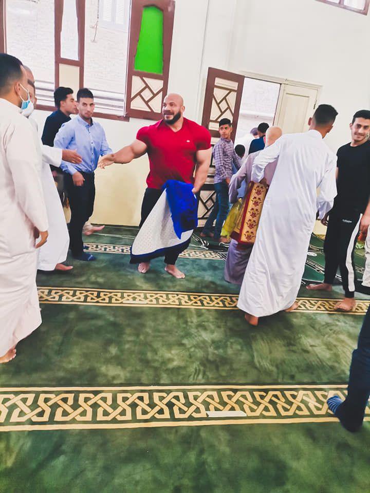 رامى فى المسجد