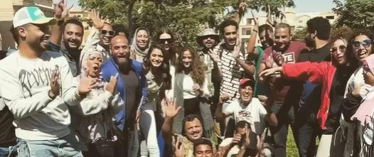 فريق عمل مسلسل بدون ضمان يحتفل بانتهاء بدون ضمان