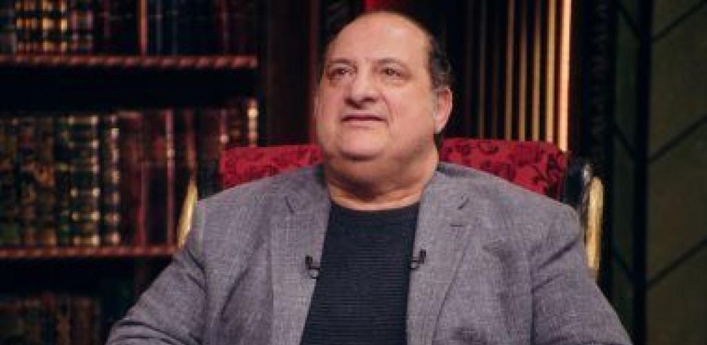 """خالد الصاوى ناعيا والدة أحمد خالد صالح: """"سلملنا على خالد يا هالة"""""""