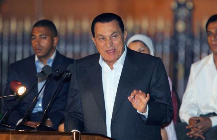 """مسؤول مصري سابق يكشف تفاصيل مثيرة عن """"مقالب"""" حسني مبارك"""