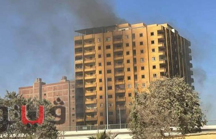 20 صورة ترصد استمرار اشتعال النيران في عقار فيصل لليوم الثالث