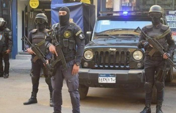 ضبط 3 أشخاص وبحوزتهم 200 طربة حشيش بالإسكندرية