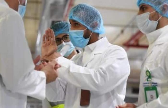 سلطنة عمان تشتبه بإصابة 96 شخصاً بسلالة كورونا المتحورة