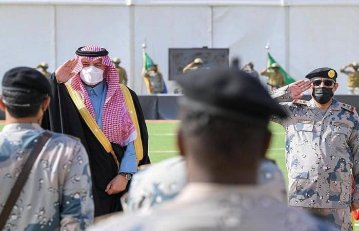بالصور.. أمير الشمالية يتفقد تجهيزات قوات حرس الحدود بـ«العويقيلة»