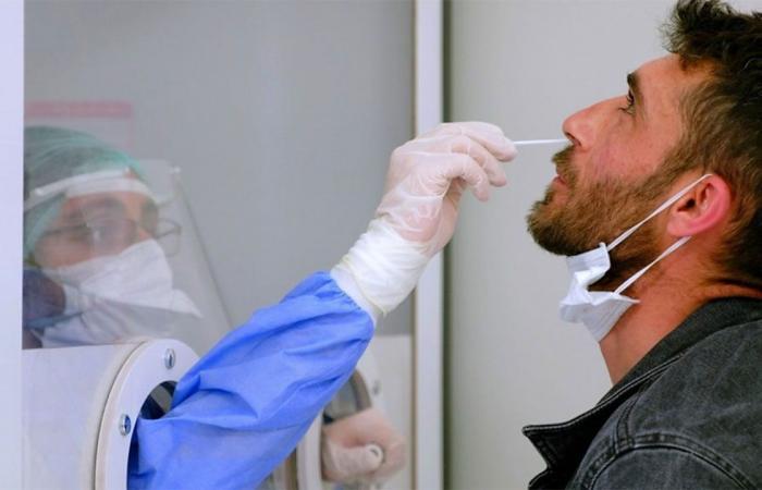 أمريكا.. تمويل أول اختبار ذاتي لكورونا بلا وصفة طبية