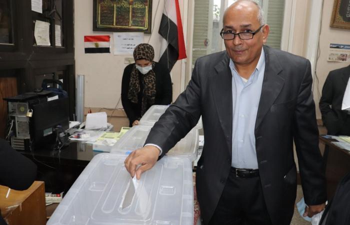 فتح باب التصويت بانتخابات البيطريين للنقابتين الفرعيتين بالقاهرة والجيزة.. صور