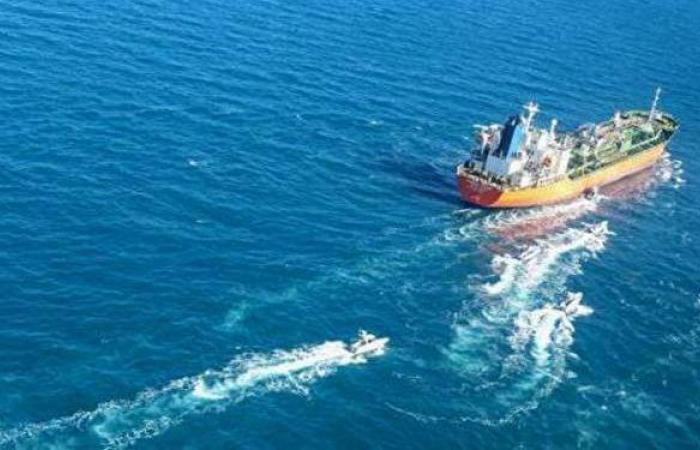 إيران تفرج عن طاقم سفينة كوريا الجنوبية التي استولى عليها الحرس الثوري