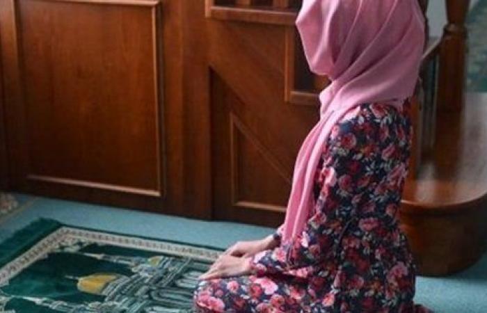 هل للمرأة المتوفى عنها زوجها أن تبيت خارج المنزل خلال العدة؟