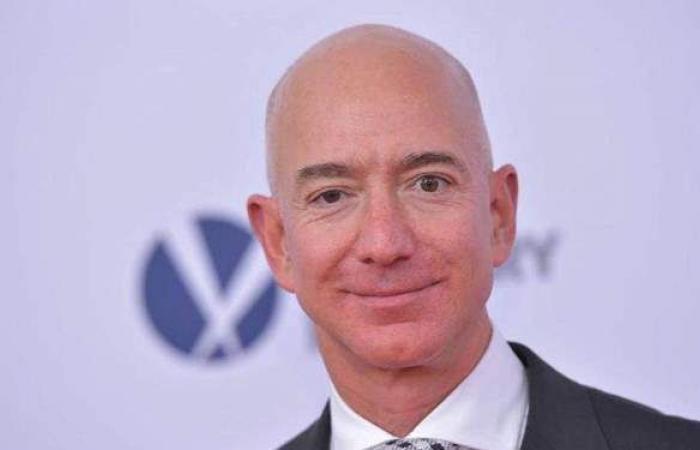 جيف بيزوس يتنحى عن منصبه كمدير تنفيذي لشركة أمازون