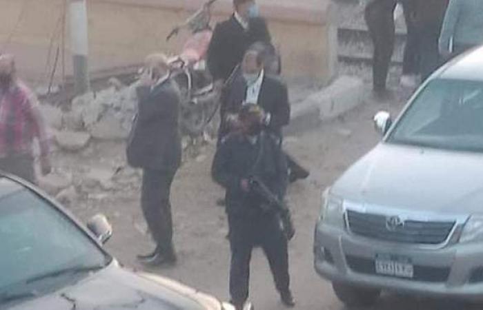 سكرتير مساعد أسيوط ومدير الأمن يصلان موقع حادث قطار القوصية | صور