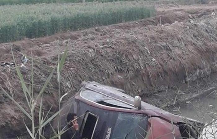 إصابة مواطن إثر انقلاب سيارة ملاكي بمصرف في بحيرة قارون بالفيوم
