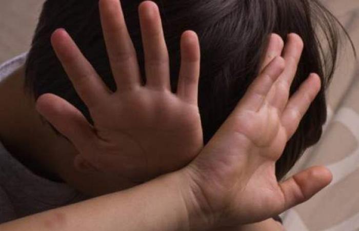 """مأساة طفل تعرض لهتك العرض على يد قهوجي وعذبه والده بـ""""أكتوبر"""""""