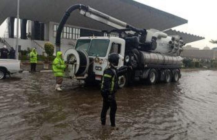 نشر معدات شفط المياه بشوارع القاهرة والجيزة لمواجهة الأمطار