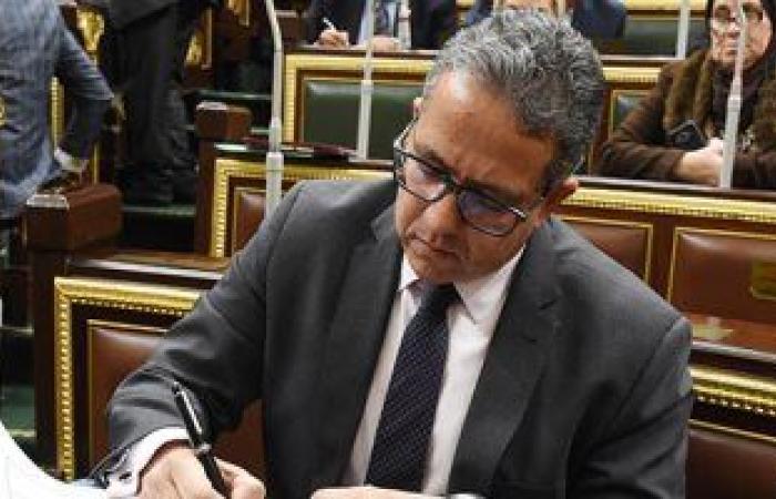 وزير السياحة والآثار يؤكد التنسيق مع البنك المركزى والوزارات لدعم القطاع