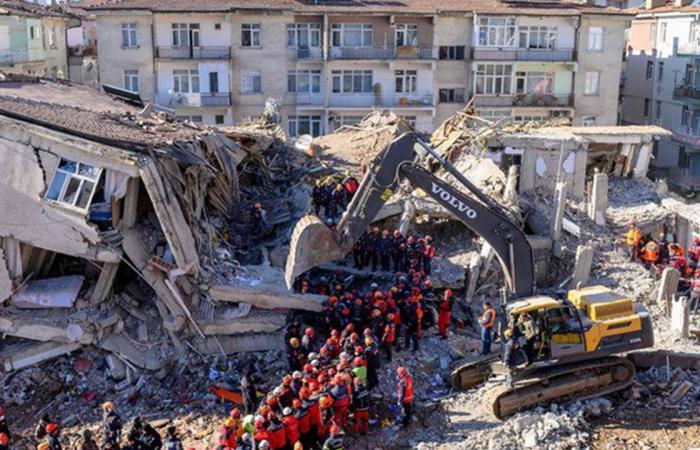 زلزال بقوة 4.7 درجات يضرب جنوب شرق إيران