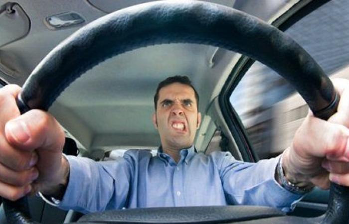 أخطاء تجعلك سائقاً مزعجاً.. ابتعد عن الوقوع فيها