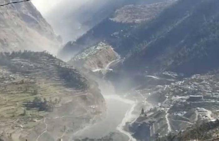 الهند تبحث عن 150 مفقوداً في انهيار جليدي