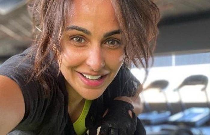 الدقيقة طويلة.. ميس حمدان تشتكي من معاناتها في الجيم
