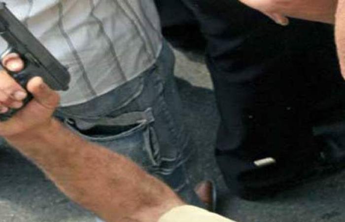 إحالة عاطلين متهمين بحيازة طبنجات صوت وبنادق في الأزبكية للمحاكمة
