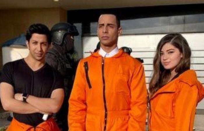 هشام جمال يكشف مصدر إلهامه فى شخصية يوسف بـ مسلسل فى بيتنا روبوت.. فيديو
