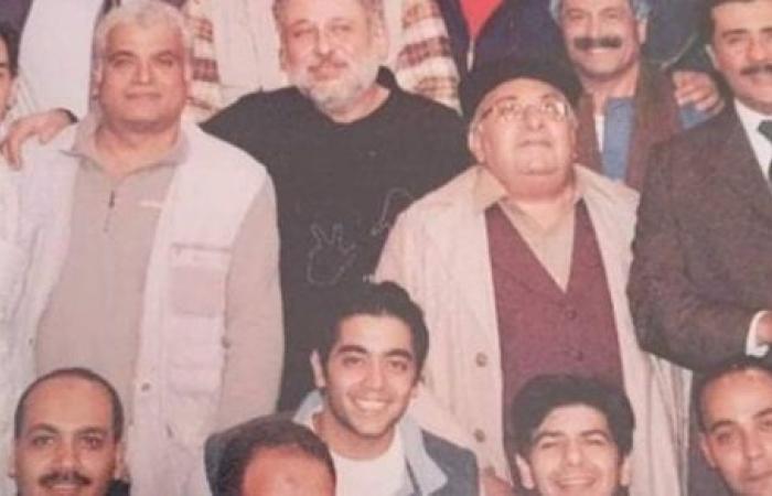 بصورة من أحد أعماله .. أحمد فلوكس يسترجع ذكرياته