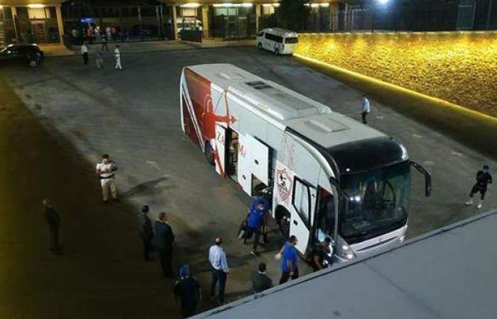 حافلة الزمالك تصل استاد القاهرة لمواجهة الاتحاد السكندري
