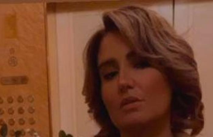 """هنا شيحة من عقد قران شقيقتها حلا ومعز مسعود: """"الألماس الصديق المقرب للبنات"""""""
