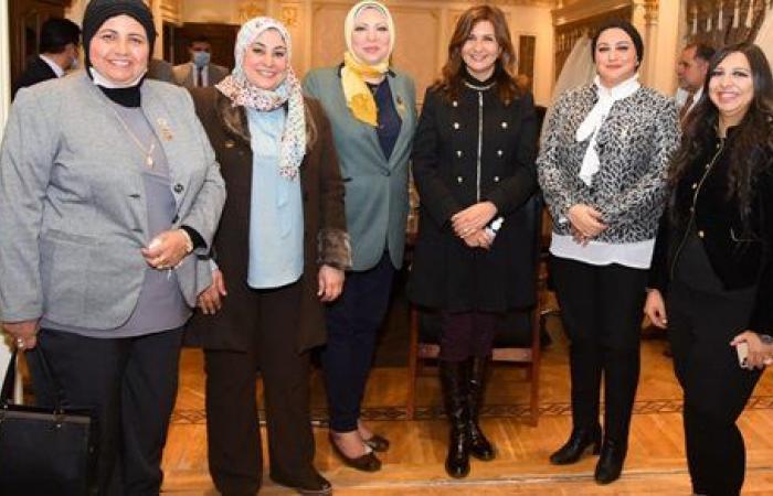 نبيلة مكرم: حريصون على دمج المصريين بالخارج فى مشروعات التنمية