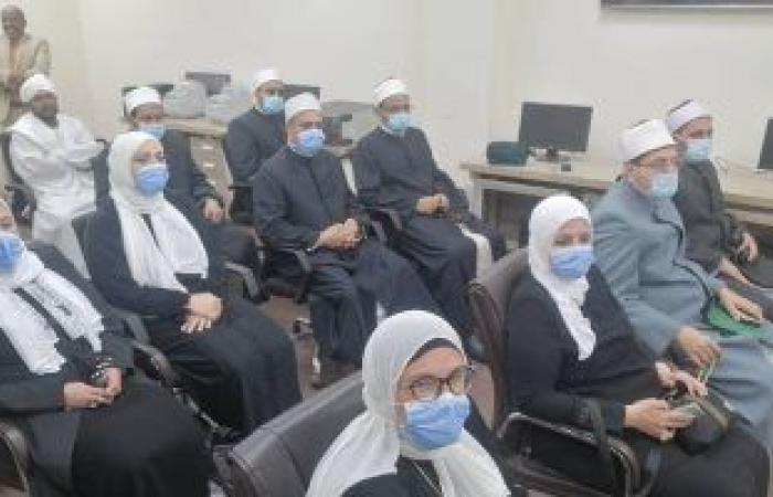 وزير الأوقاف السودانى يستقبل وفد الأئمة والواعظات المصريات ويشيد بدورهم فى نبذ التطرف
