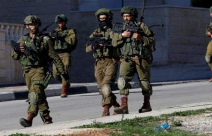 بمركبة مسروقة.. مواطن يقتحم أكبر قاعدة جوية إسرائيلية