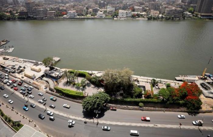 مصر... البرلمان يوافق على رفع سعر ملصق السيارات الإلكتروني إلى 300 جنيه سنويا