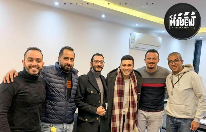 """أسرة """"آل هارون"""" تواصل خطف النجوم والفنانين.. محمد عز ينضم لعائلة الفيلم"""