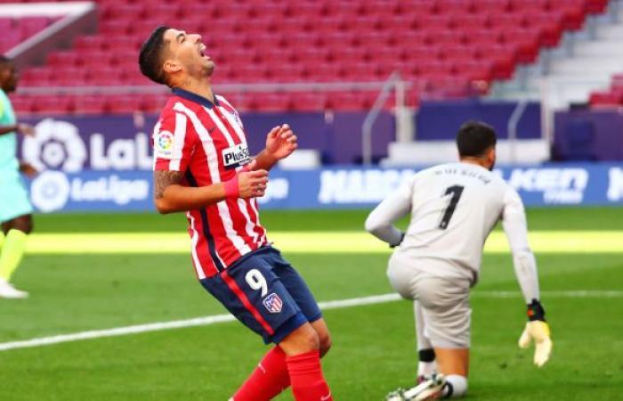 ماكينة أهداف... سواريز يتفوق على رونالدو في الدوري الإسباني