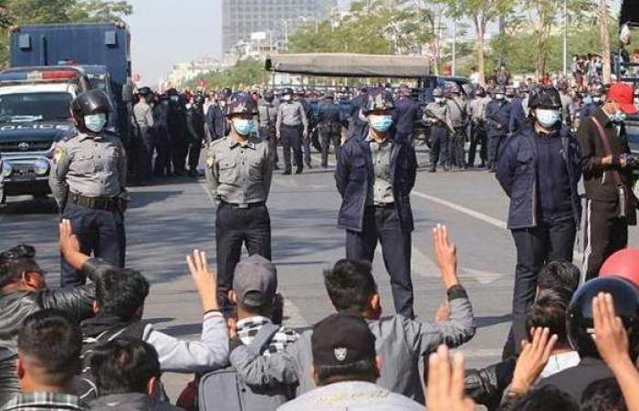 جيش ميانمار يقتحم مقر حزب أونج سان سو تشي
