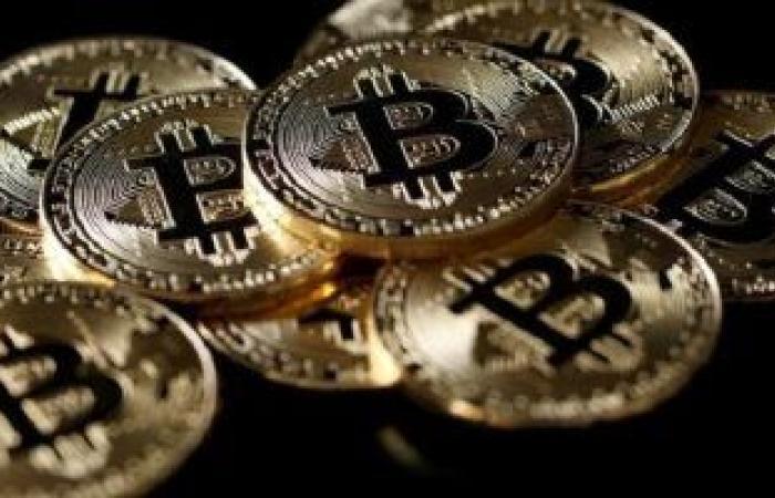 """خبير بالتكنولوجيا المالية يكشف سبب الارتفاع الضخم فى قيمة عملة """"البيتكوين"""""""