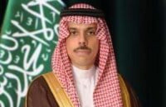 وزير الخارجية يبحث مع نظيره الأمريكي الاعتداء الحوثي الإرهابي على مطار أبها