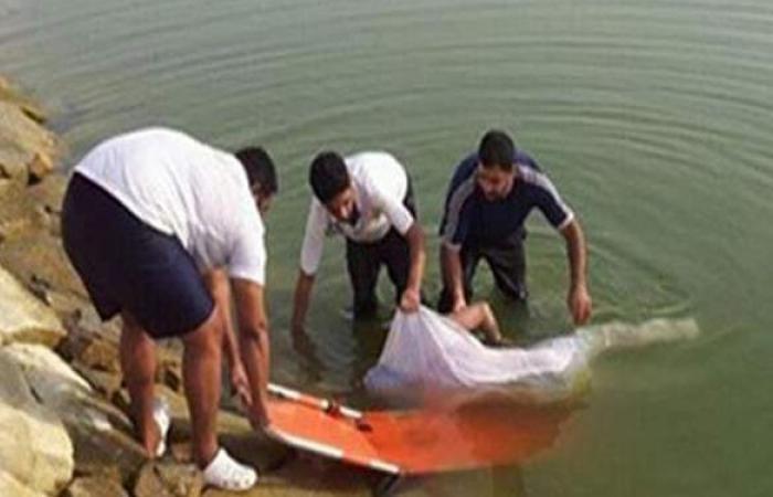 انتشال جثة طفل سقط فى ترعة أثناء اللهو مع صديقه بالحوامدية