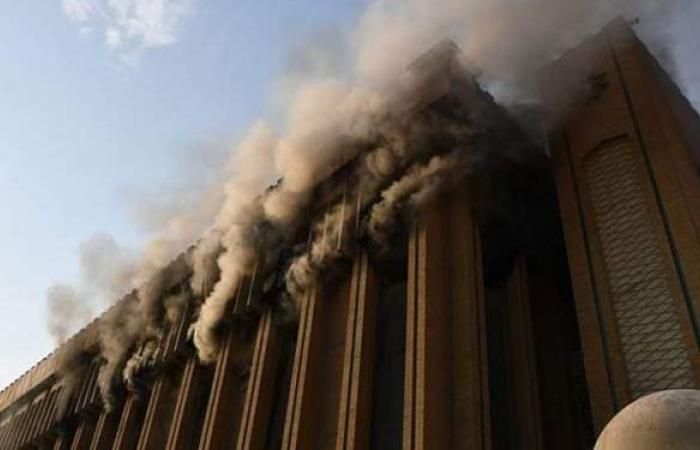 لليوم الثاني.. استمرار اشتعال حريق النفط الكارثي بين إيران وأفغانستان