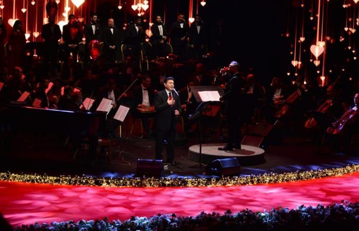 هاني شاكر من حفل الأوبرا: كل عيد حب وأنتم بخير وأشعر بالأمل طول ما الجمهور ورايا