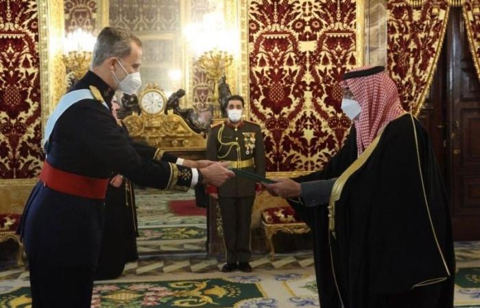 40 نشاطاً دبلوماسياً في 8 أسابيع لسفير المملكة في مدريد