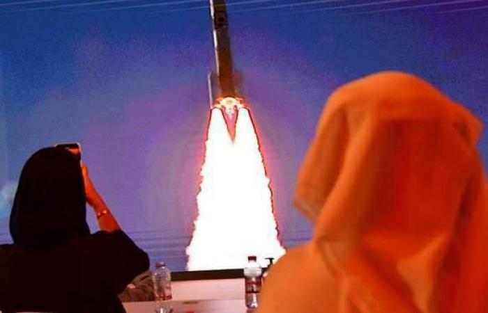 """الإمارات تحدد موعد إطلاق القمر الصناعي """"ظبي سات"""" إلى الفضاء"""