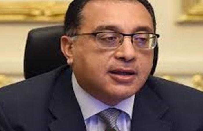 رئيس الوزراء يستعرض تقريرا حول إطلاق المسارح المتنقلة على مستوى الجمهورية