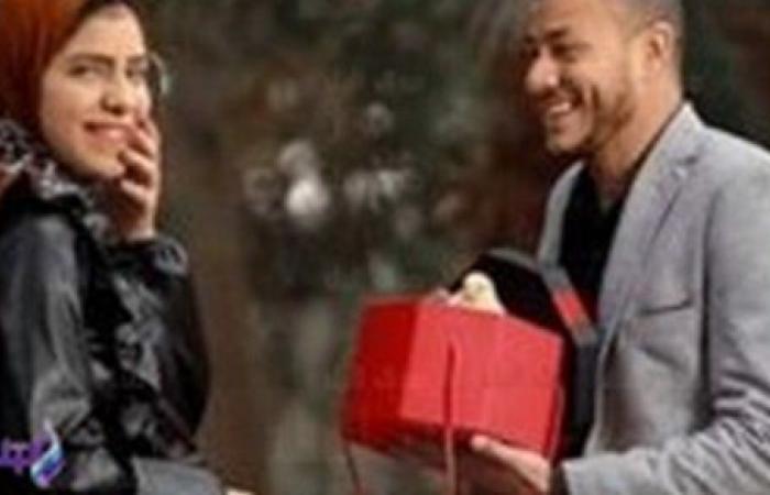 الدبلة في رجل الكتكوت.. آخر صيحات الفوتوسيشن في عيد الحب