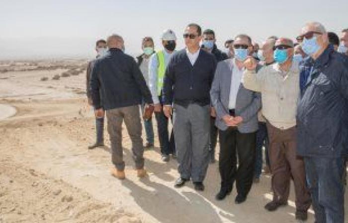 وزير النقل يتابع إنشاء الأرصفة والمحطات الجديدة بميناء السخنة بتكلفة 20 مليار جنيه