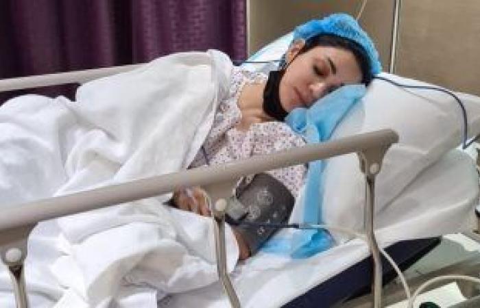 ديانا حداد تخضع لعملية جراحية بالمعدة.. وشقيقتها تطمئن الجمهور
